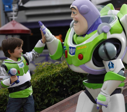 Buzz Lightyer Figuren treffen