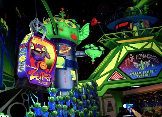 Unvergesslicher Familienspaß in Buzz Lightyears Laser Blast