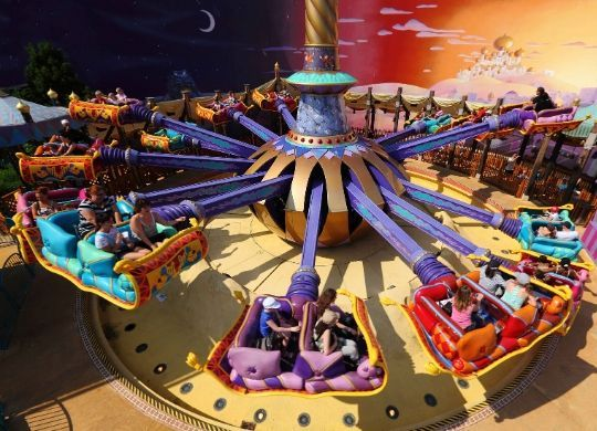 les tapis volants attraktion disneyland paris foto