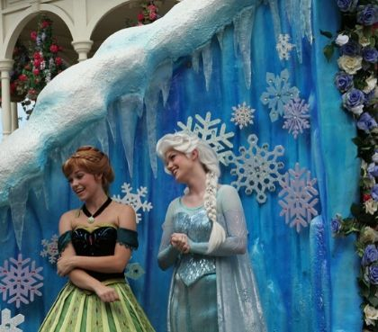 Frozen Animation Celebration Show Anna und Elsa