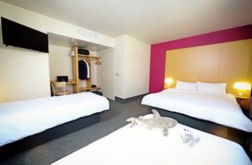 Vier-Bett-Zimmer Hotel B&B